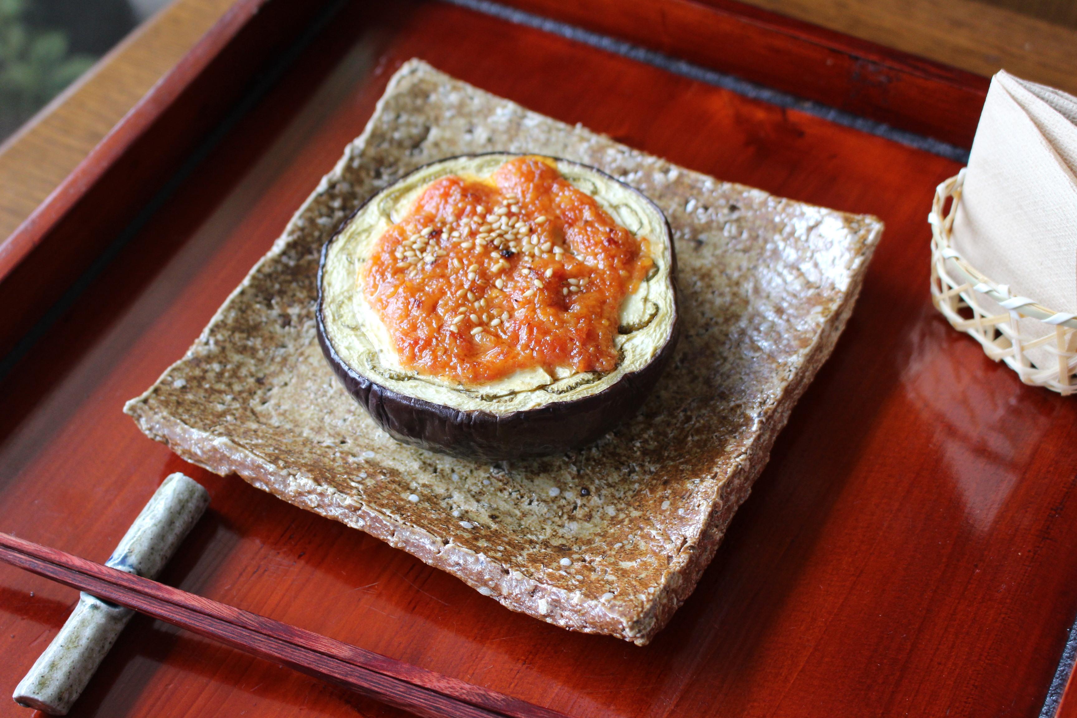 まんじゅうなすのトマト味噌田楽